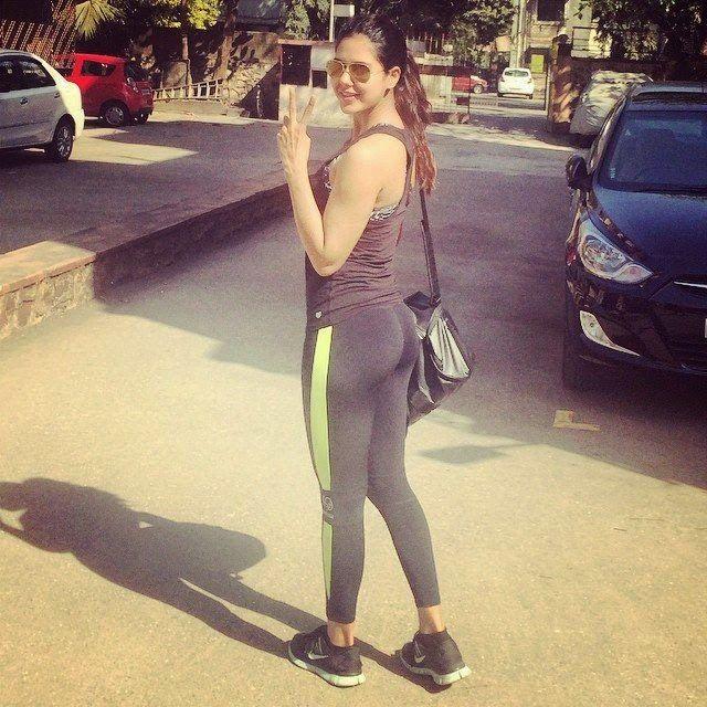 nude Sonam bajwa