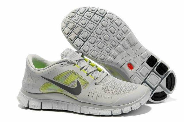 La zapatillas Nike Free 5.0 utiliza una unidad de amortiguación de aire grande en el talón que es visible desde el lado de la entresuela en la mayoría de los modelos.Todas las zapatillas Nike Free 5.0 son originales y directamente desde la fábrica. Todos zapatillas Nike Free 5.0, la mujer, zapatos de los niños son 30-70% de descuento y envío gratis
