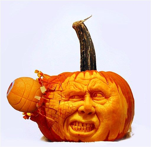 Image Scary Pumpkin Carving By Ray Villafane Pumpkin Carvings - Mind blowing pumpkin carvings by ray villafane 2