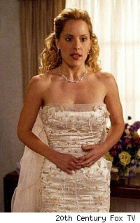 Btvs Anya In Her Wedding Dress To Almost Wed Zander