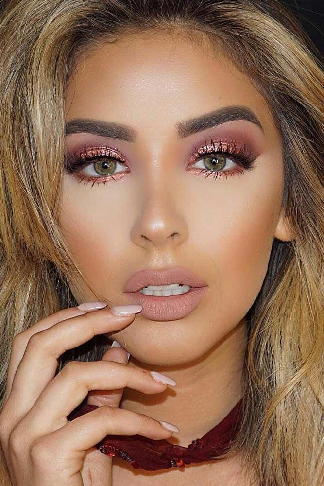 Photo of Light Shimmer Rose Gold Makeup Looks picture 5 #Mascara