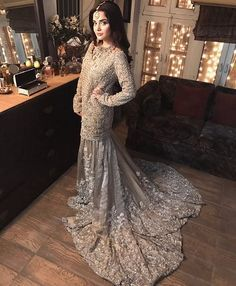 Armeena Khan In Stunning Outfit By Saira Shakira And Jewels By