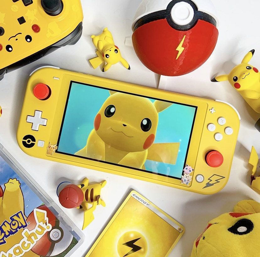 Custom Pikachu Nintendo Switch Lite made by ComicControllers -