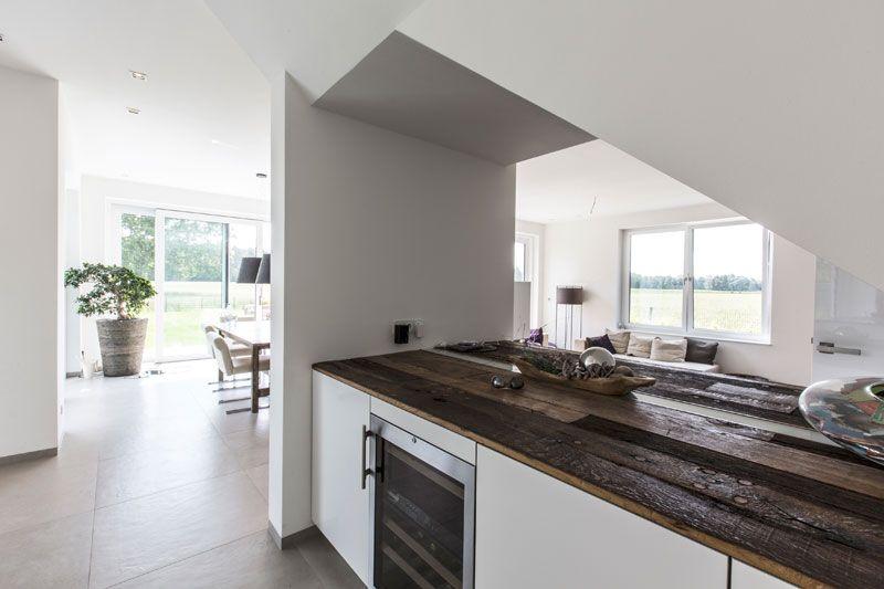 Casa Senza Fiato - Das Haus des Jahres · GfG Designhaus kitchen - küche ohne griffe