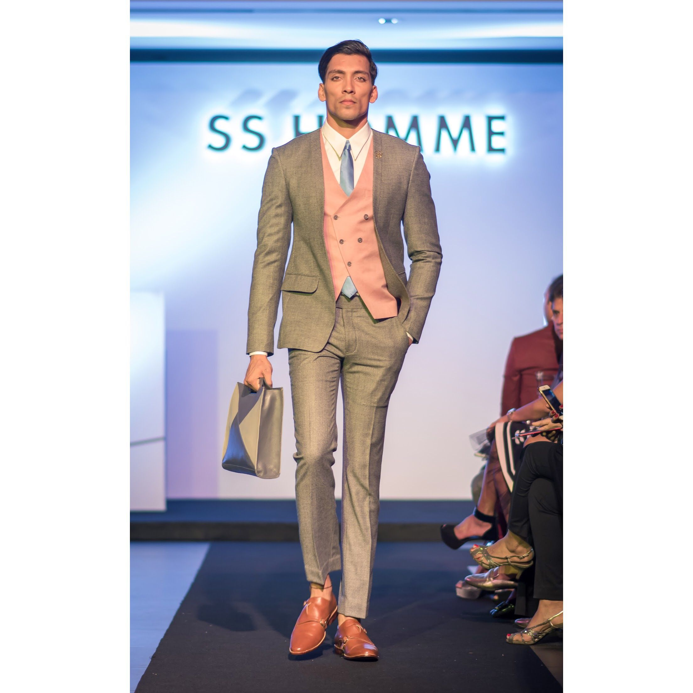 c639cdc8cb A creation in pure cashmere with an open - lapel less jacket, paired ...