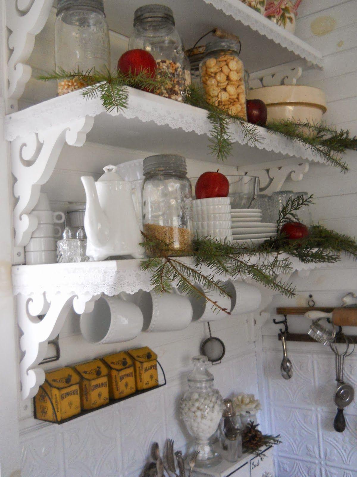 little tins on wall & shelf design | Küche | Pinterest | Küche, Diy ...