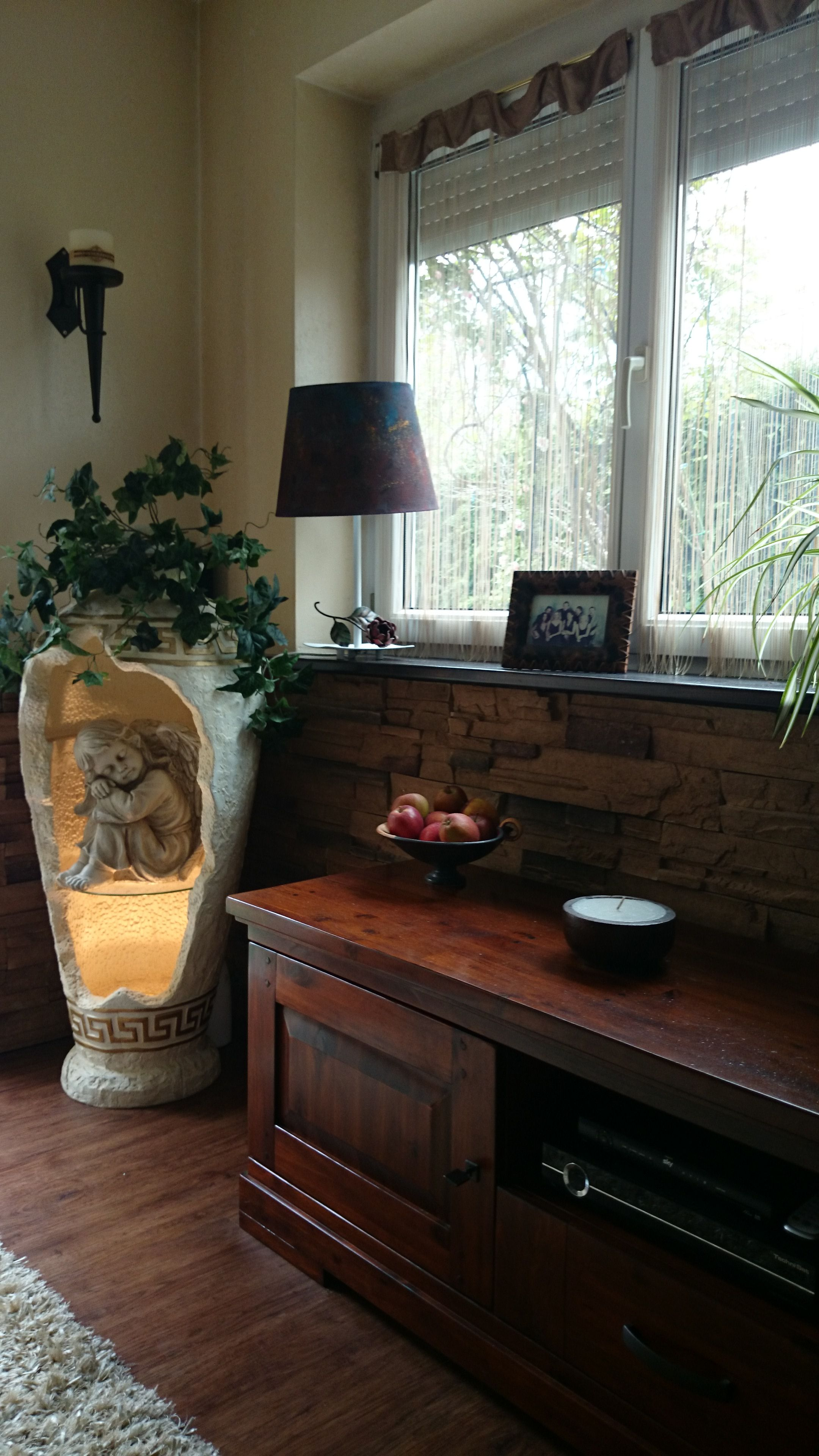 landhausstile mit lampe dora landhausstil mit lampe dora bei der einrichtung im landhausstil. Black Bedroom Furniture Sets. Home Design Ideas