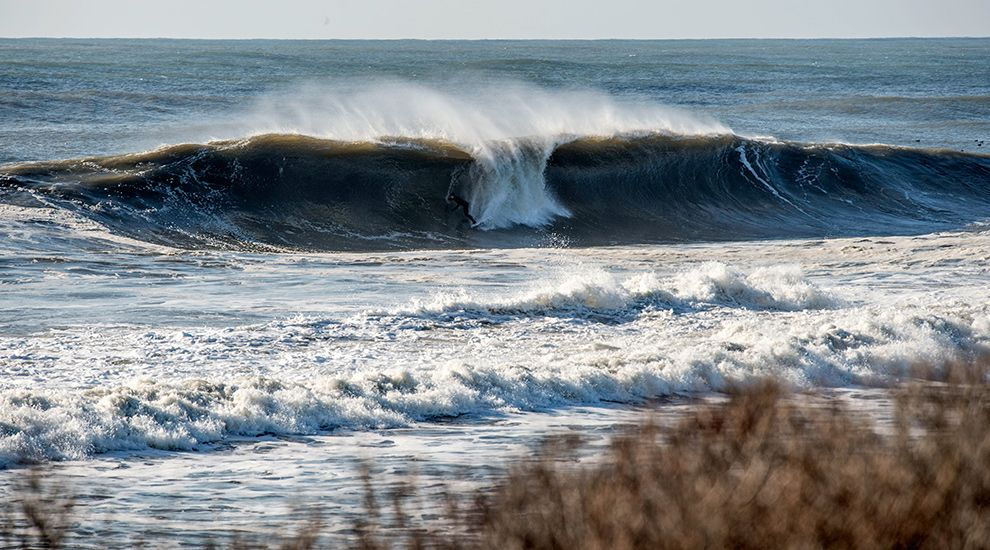 MID-ATLANTIC GETS THE GOODS (AND THE EPICS) | SURFLINE.COM