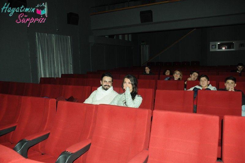 Serhattan Dicleye Sinemada Evlenme Teklifi Marriage Proposal At