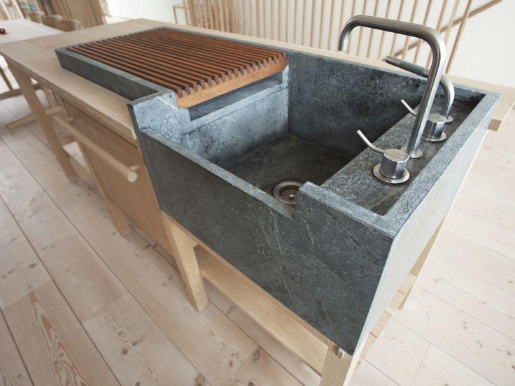Designline Wohnen Projekte Bullerbu Im Schlachterviertel Designlines De Kitchen Island Ide Kitchen Island Decor Home Decor Kitchen Kitchen Island With Sink