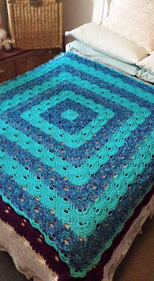 Virus blanket | Love crocheting | Pinterest | Häkeldecken muster ...