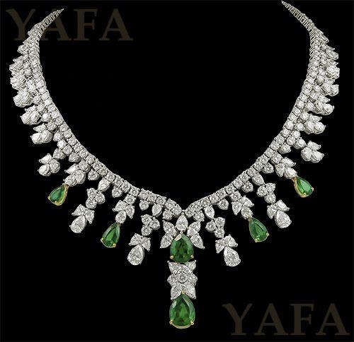 Tiffany & Co. Diamond y Collar de esmeraldas
