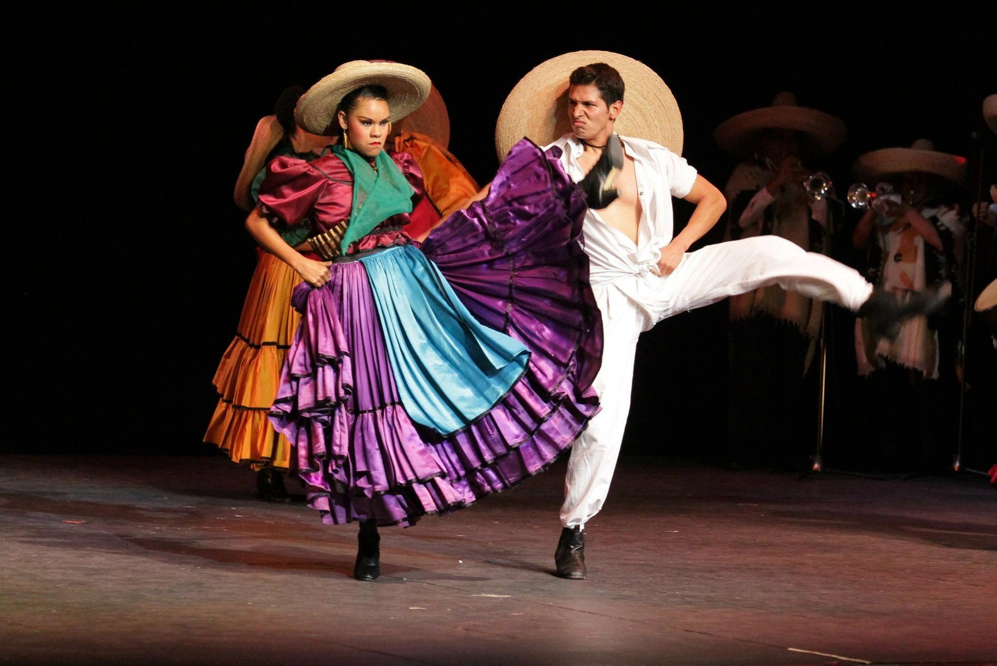 Ballet Folklorico De Amalia Hernandez Ballet Folklorico De Mexico De Amalia Hernandez Notimx Ballet Folklorico Dancer Costume Mexico Culture