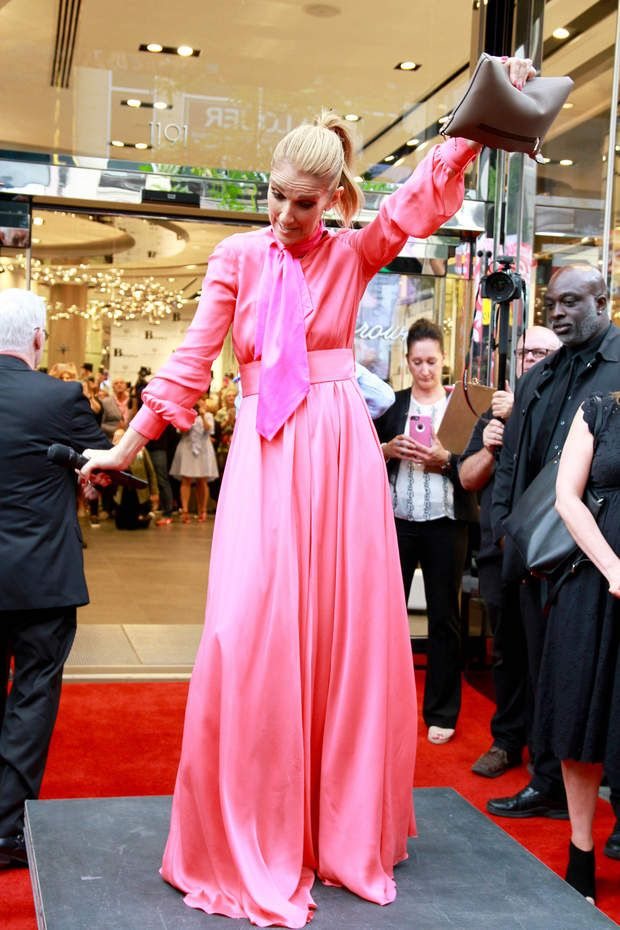 Montreal per il nella fa Browns show Celine a suo Dion di boutique 1qv6B6