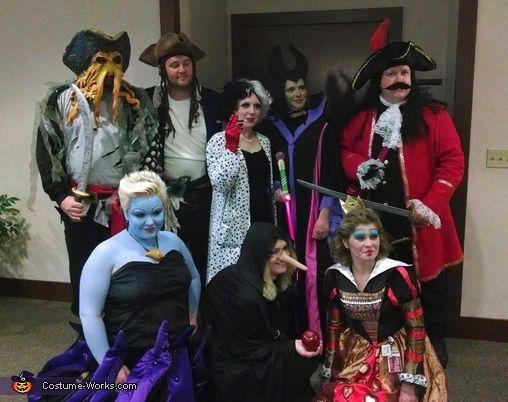 Costume Halloween Disney.Disney Villains Halloween Costume Contest At Costume Works Com Group Halloween Costumes Disney Villain Costumes Halloween Costume Contest