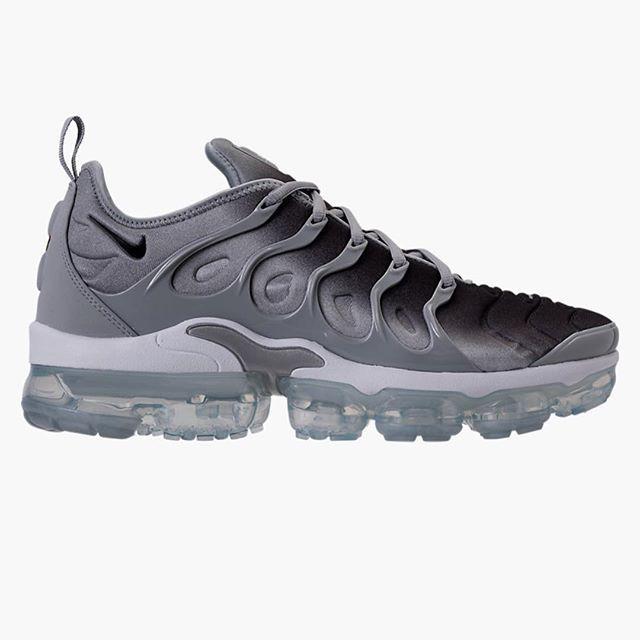 e4ba6d50f0c 4 26- Nike Air Vapormax plus  sneakerhead  todayskicks  kotd  sneakerfiles   dailyshoefrenzy