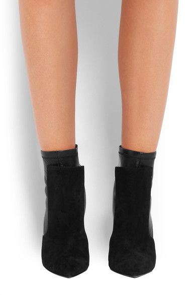 Black Ankle boots in black suede and