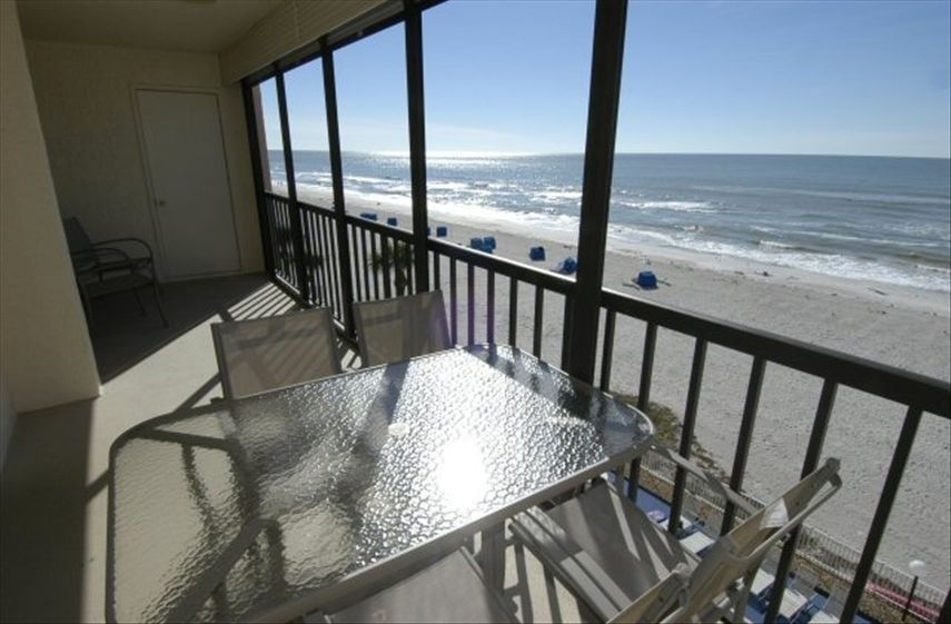 Fullystocked & Comfortable GulfFront Condo Indian