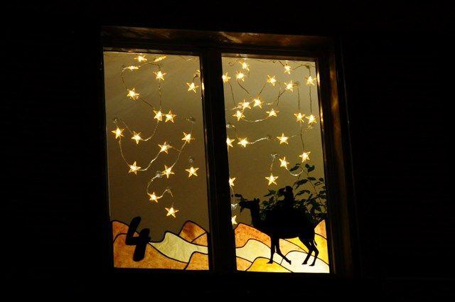 vorlage foto ideen advent adventsfenster und weihnacht fenster. Black Bedroom Furniture Sets. Home Design Ideas