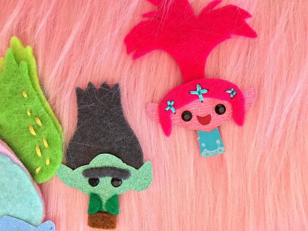 How to scrapbook like poppy - Branch Poppy Front Trolls Dreamworkstrolls Fancyshanty
