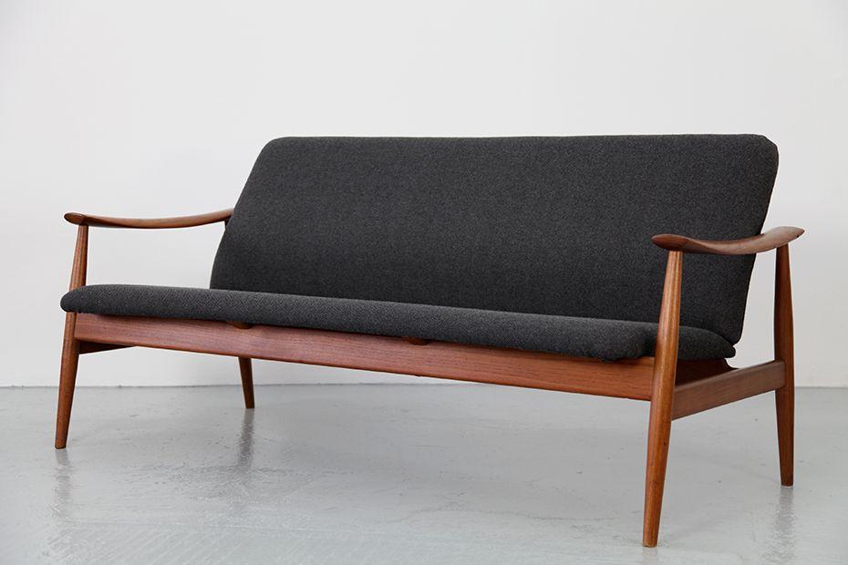 Finn juhl sofa model 138 for france daverkosen 1961 for Scandinavisch design bank