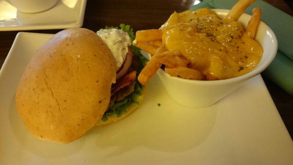 羊肉漢堡欸
