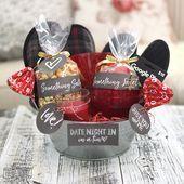 Valentinstag Date Night In Geschenkkorb-Idee (+ 24 weitere V-Day DIY-Ideen, #Bas ... #datenightoutfit