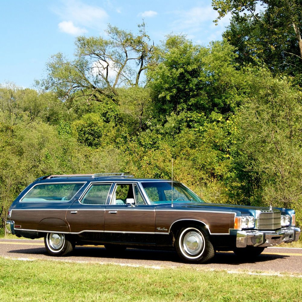 77 Chrysler Town Country Wagon With Images Chrysler Wagons