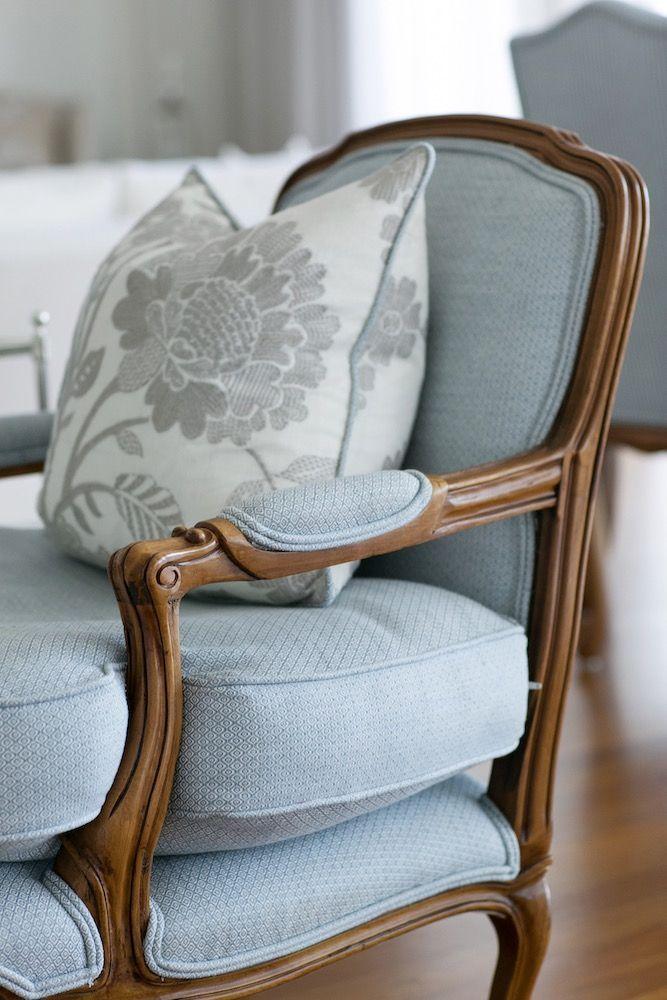 Fauteuil En Lin Classique Bleu Inspiration Style Classique Salons Francais Mobilier De Salon Meubles Ruraux