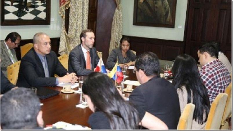 Venezuela y Panamá evalúan cooperación comercial y alimentaria http://www.inmigrantesenpanama.com/2017/03/04/venezuela-y-panama-evaluan-cooperacion-comercial-y-alimentaria/