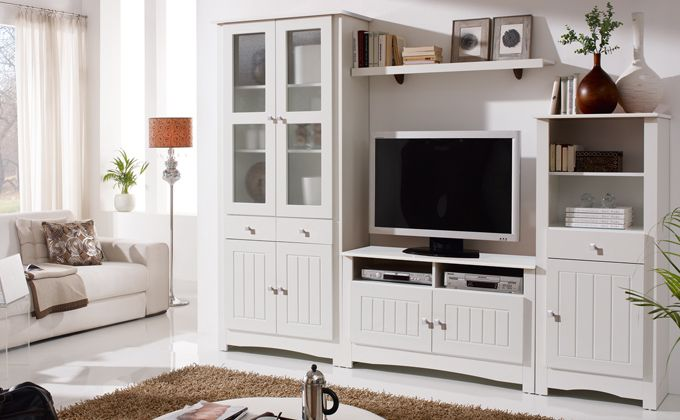 Mueble blanco sal n cl sico mueble para tv y vitrinas for Salon clasico blanco