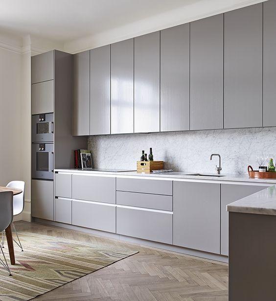Muebles de cocina en gris | Gris, Vitrinas y Cocinas