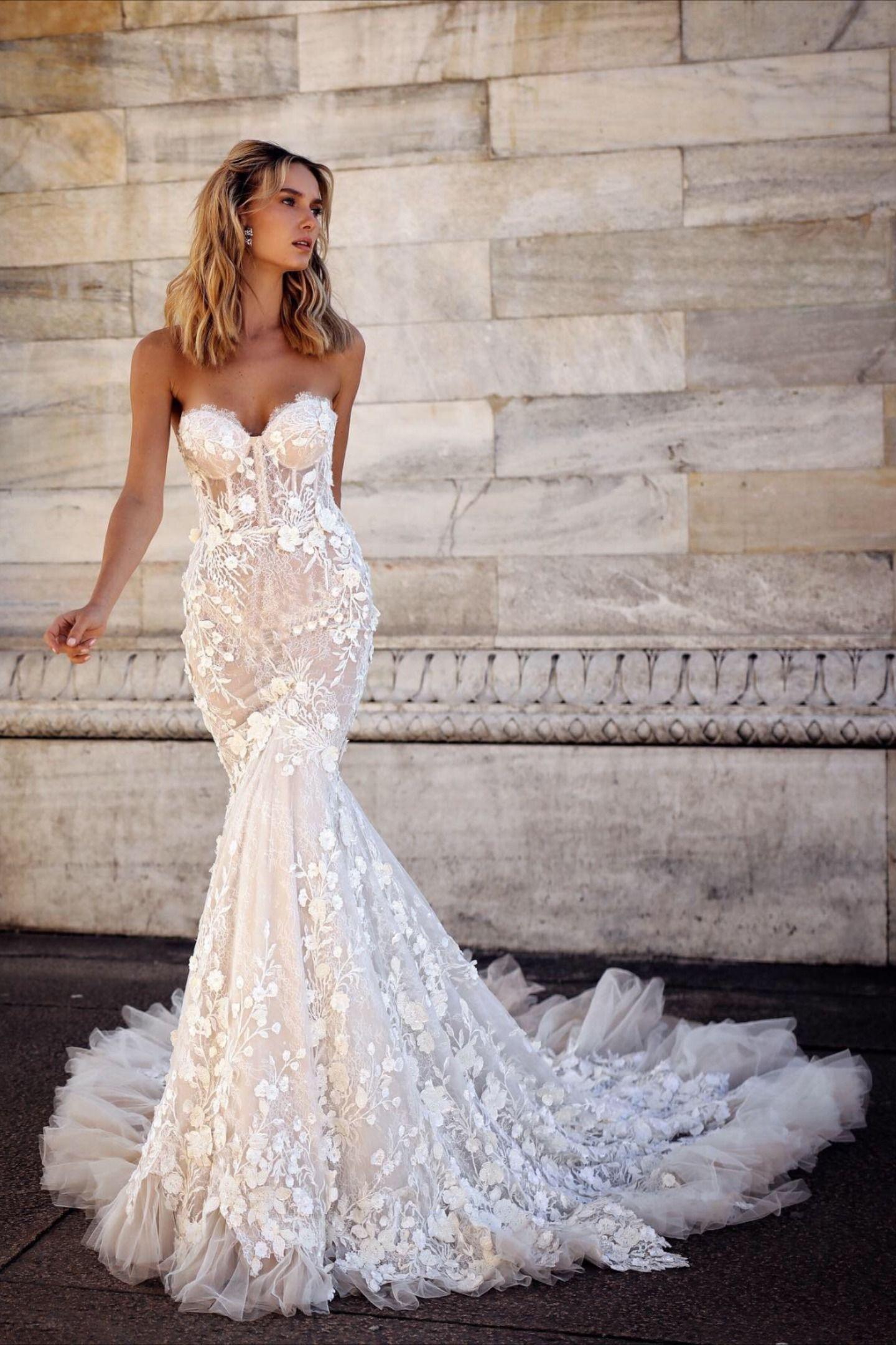 Mermaid Gown Goals By Berta Milano Wedding Dresses Lace Backless Wedding Dress Wedding Dress Trends [ 2160 x 1440 Pixel ]