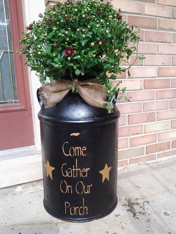 Amazing 10 Ideas About Reuse Milk Cans Craft Keep Painted Milk Cans Milk Can Decor Milk Cans