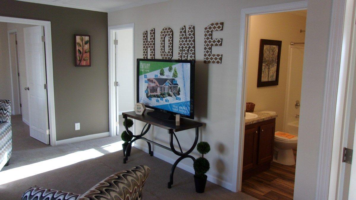 Clayton Homes of Lexington, NC | Photos Voyager | 57ENT28704BH ...