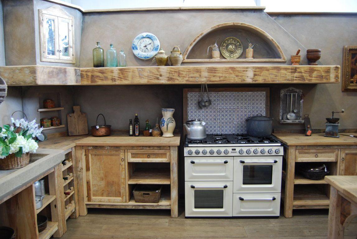 La cucina country è una cucina rustica essenziale e spartana.la
