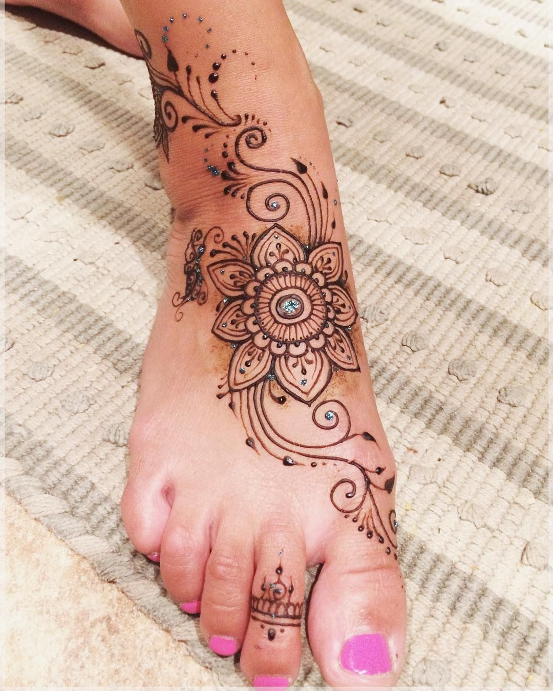 Henna For Frankie Hennabylindsay Henna Tattoo Art Hennafeet Summer Mehndi Henna Tattoo Foot Foot Henna Henna Designs Feet