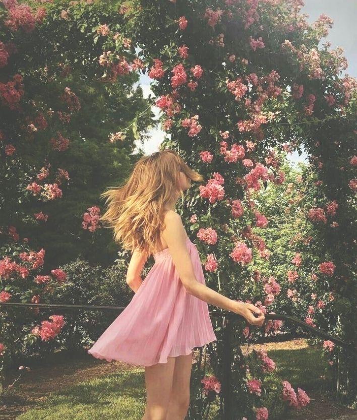 girl flowers leaves pink green aesthetic tumblr