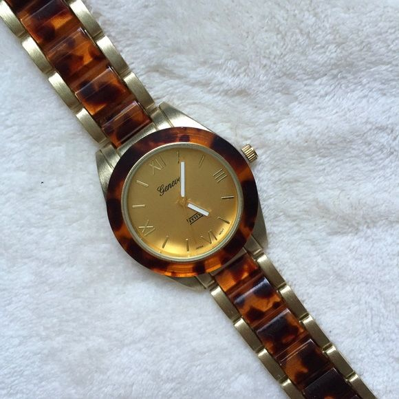31db8e661b0 Tortoise watch Tortoiseshell-patterned resin adds a sophisticated ...