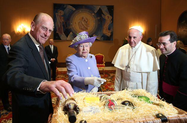 Sky Seven Days La Regina Elisabetta Con Papa Francesco Regina Elisabetta Papa Francesco Elisabetta Ii