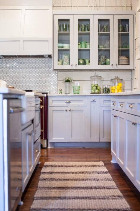 Neutral Glass Front Cabinets In Charming Country Kitchen Kitchen Cabinet Design Country Kitchen Kitchen Remodel