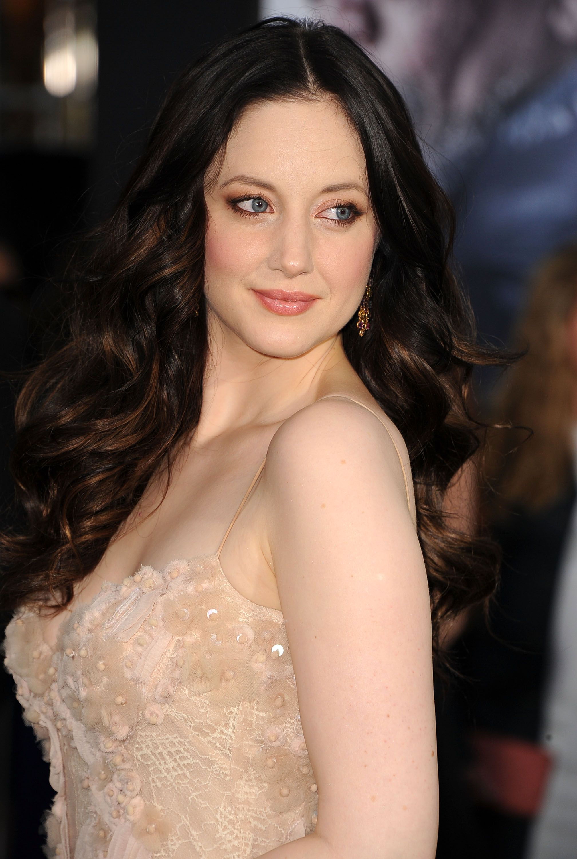 Andrea Riseborough earned a  million dollar salary, leaving the net worth at 5 million in 2017