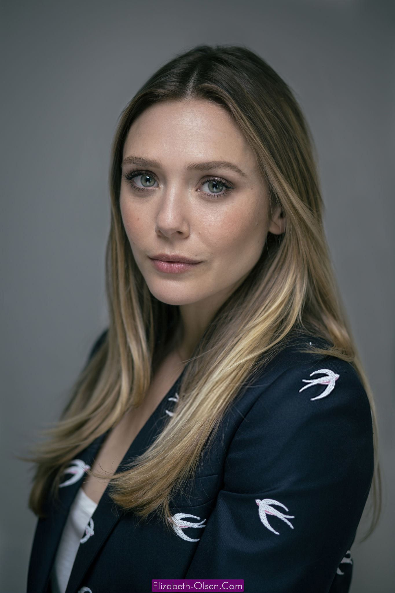 pics Elizabeth Olsen Is Soft Effortless At Cannes, Get TheLook