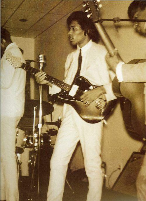 Jimi Hendrix with The Isley Brothers. Wow Hendrix playing a Jazzmaster!