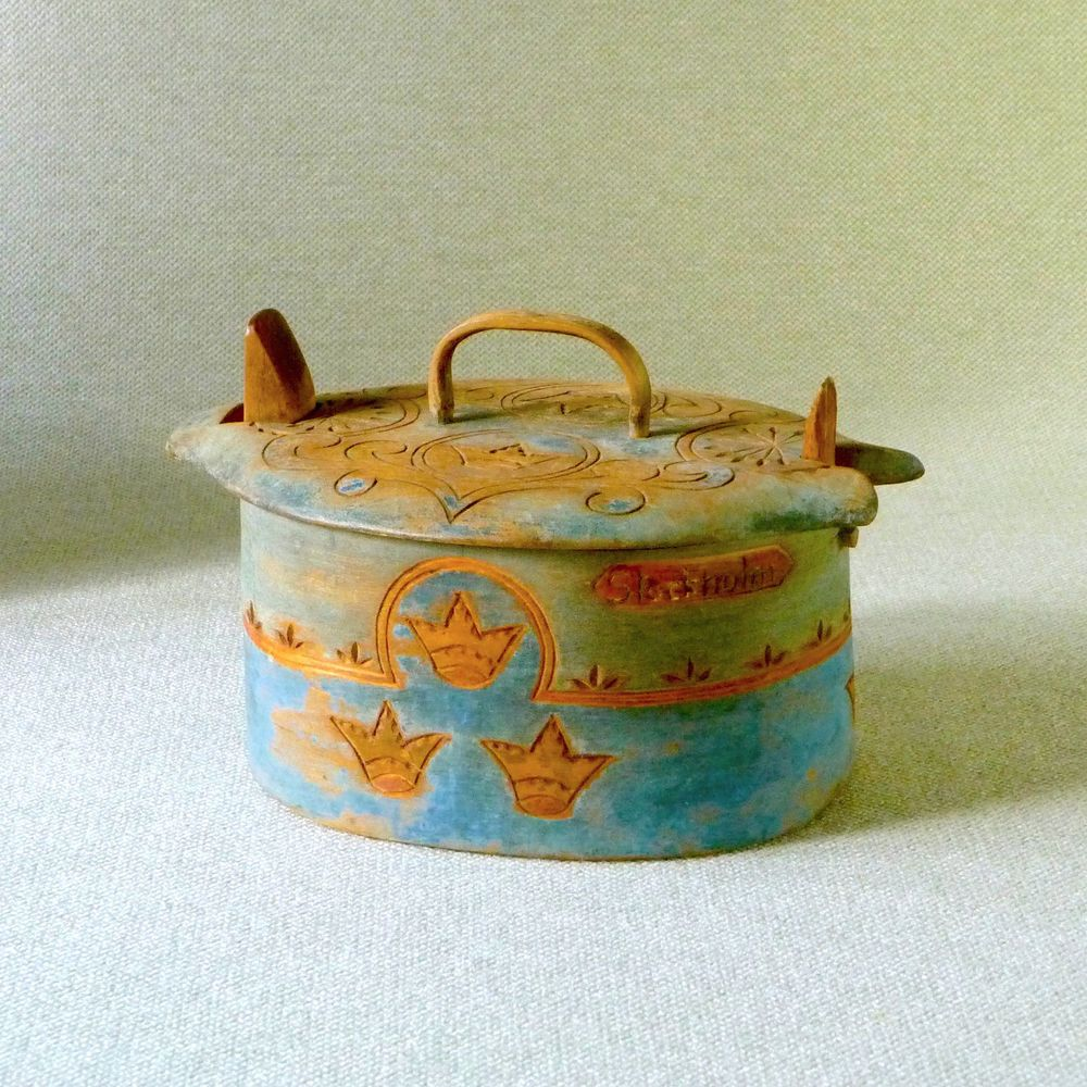 Antique Swedish Brides Box Bentwood Blue Crowns Tine Root Lace Stockholm Sweden #ScandinavianSwedishFolkArt #unknown