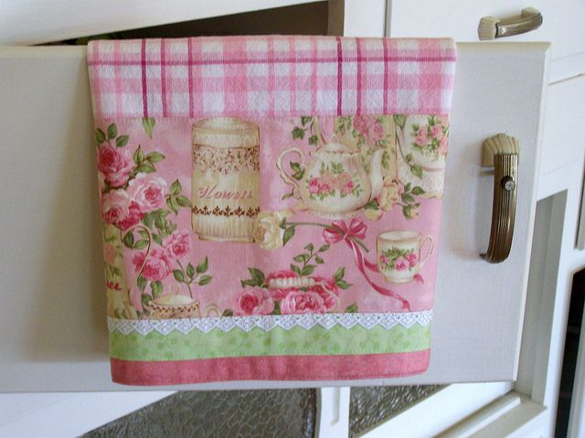 Chic And Shabby! Shabby Cottage Chic Towel, On A Vintage Cabinet Door. Www
