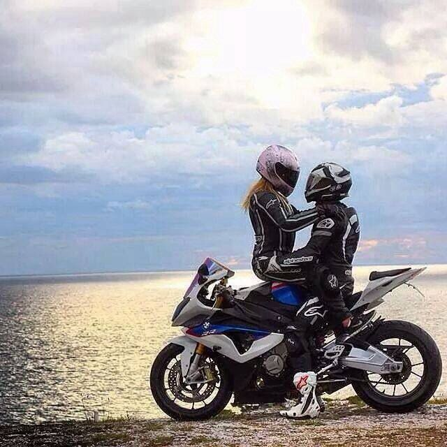 motolove sportsbike motorcycle couples that ride together stay
