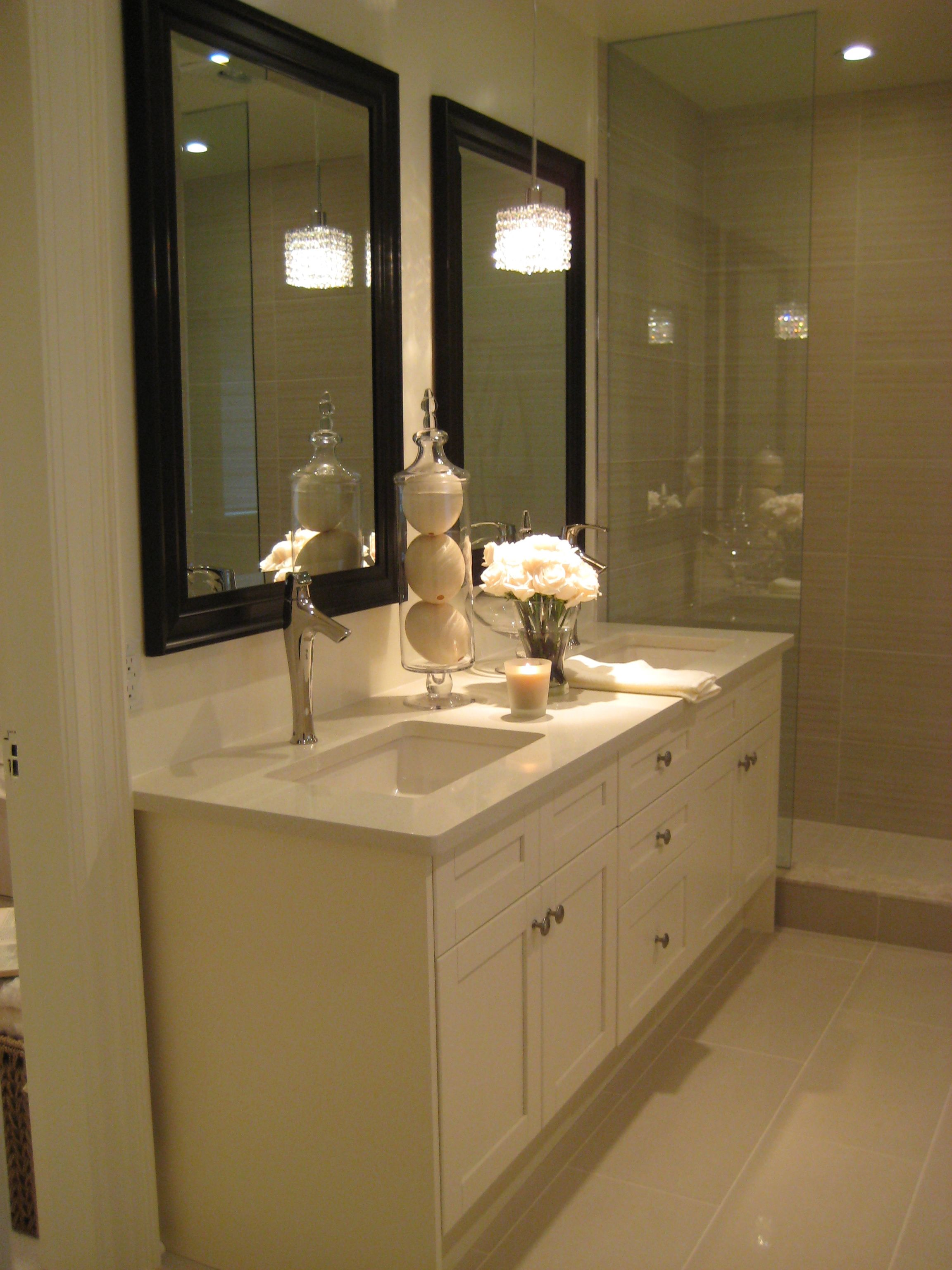 En suite bathroom double vanity in off white with for Espresso bathroom ideas