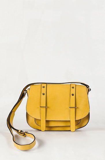 e3b8e6c25 Bandolera amarilla de Massimo Dutti Malas, Amarillo, Bolsos De Cuero,  Fiebre Amarilla,