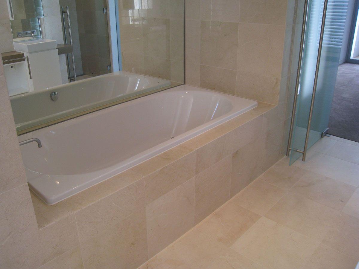 Crema Marfil Bathroom Google Search Bathroom Design Small Bathroom Beige Bathroom